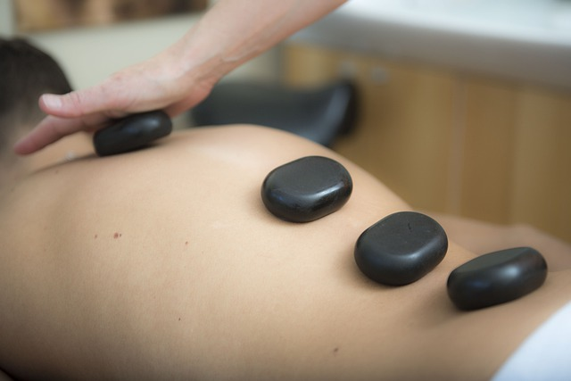 MAssages pierres chaudes